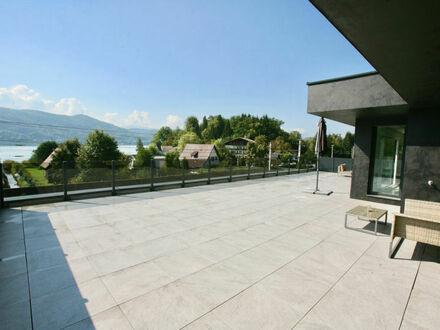 Krumpendorf am Wörthersee: Fantastisches Seeblick-Penthouse mit rd. 80 m² Terrasse und Bademöglichkeit direkt vis-á-vis