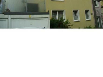 An Kapitalanleger: 3 kl. ETWs in Do-Marten, 63/52 und 33 m², gesamt KM 1.162 €. Auch einzeln, schöner gepfl. Garten, Gartenhaus,…
