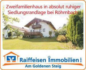 gepflegtes Zweifamilienhaus mit Doppelgarage in ruhiger Siedlungsrandlage/Aussichtslage