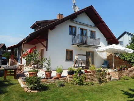 Einfamilienhaus mit Einliegerwohnung in Salzweg Nähe Zentrum: