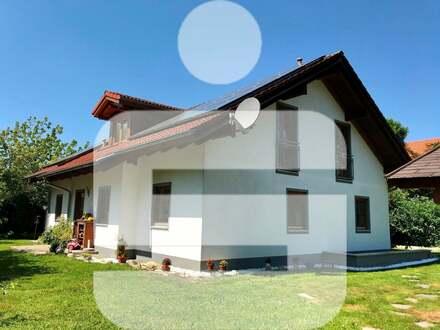 Hochwertiges Einfamilienhaus mit ELW in Tiefenbach