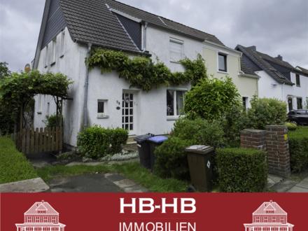 Sanierungsbedürftige Doppelhaushälfte, mit großem Garten!