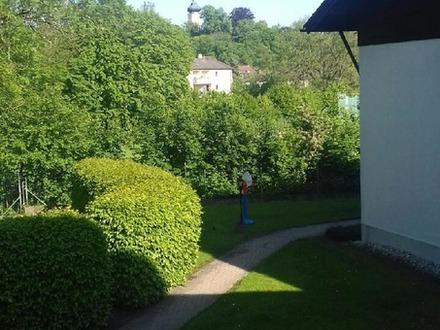 Sonnige 2 Zimmer-Wohnung mit Balkon und einem Tiefgaragen-Stellplatz in Bad Aibling!