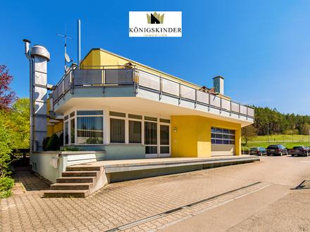 Helle Gewerbeeinheit als Praxis oder Büro in Weissach/Flacht in kleinem Gewerbegebiet