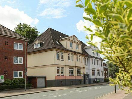 TT bietet an: Stilvolle Dachwohnung im Villenviertel!