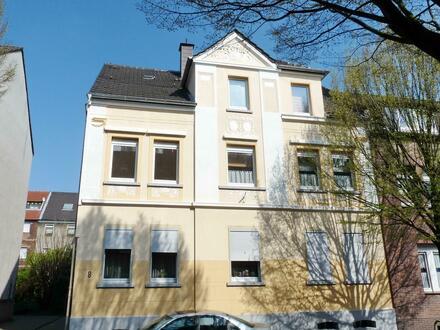 hochwertig renoviert: 4,5-Zimmer-Wohnung in gepflegtem Haus in GE-Erle (Darler Heide)