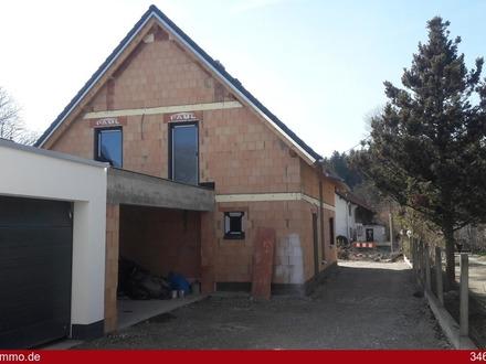 Neubau: Einfamilienhaus in Amberg bei Buchloe mit Garten, Dachterrasse und Doppelgarage