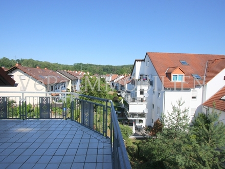 VePa IMMOTIPP** Helle GALERIEWOHNUNG in guter Lage in Goldbach (kein Ortsteil) ***