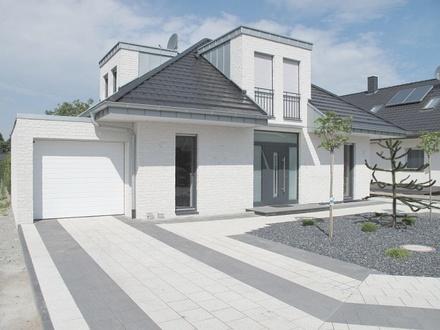 Repräsentatives Einfamilienhaus mit Einliegerwohnung Nähe Bertelsmann