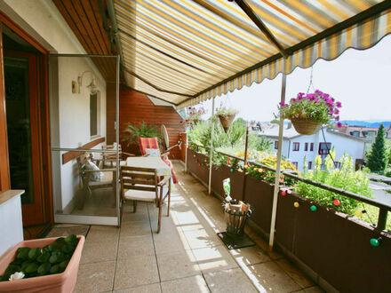 Klagenfurt-Spitalberg: 2-Zi Wohnung im 2. OG/ DG (Lift) mit 24 m² überdachter Südterrasse