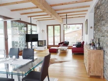 Kirchberg: Maisonette mit Panorama-Dachterrasse, Lift, und Einrichtung zum Sofortbezug