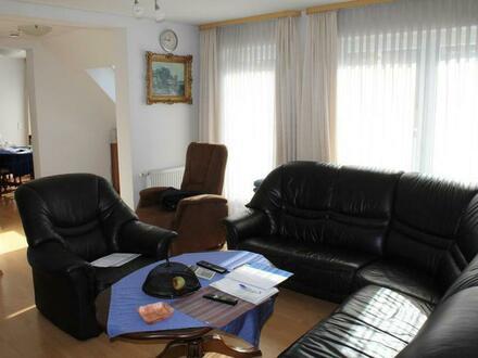 PROVISIONSFREI - Neuwertige 4 Zimmer-Maisonette mit Dachterrasse und 2 TG-Stellplätzen