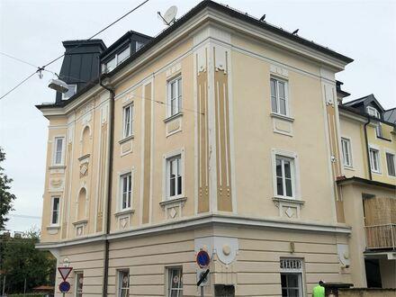 Charmante 4 Zimmer Stadtwohnung mit Terrasse in einem schönen Jahrunderwendehaus in Salzburg