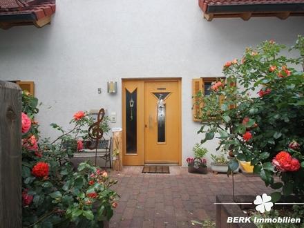 BERK Immobilien - Zwischen Romantik und Natur - Wohlfühlhaus mit viel Platz für die große Familie!