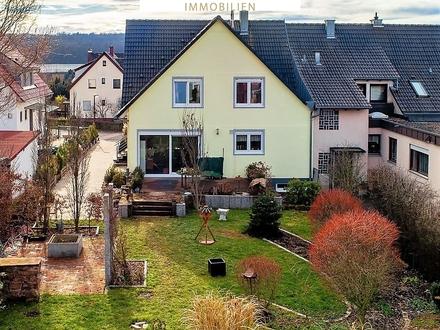 Familientraumhaus grundsaniert mit Einliegerwohnung, Sonnenterrasse, großem Garten, Pool u. Extras