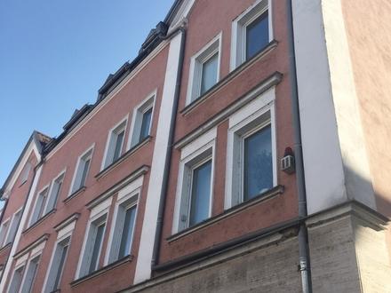 Sanierte 3 Zimmer-Altbauwohnung zwischen Bahnhof und Innenstadt!