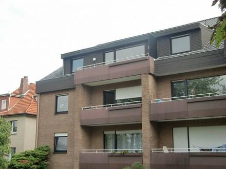 Großzüge Dachgeschosswohnung mit Balkon