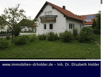 Perfekt für Paare & Familien: Wunderschönes & massives Einfamilienhaus mit DG-Ausbau