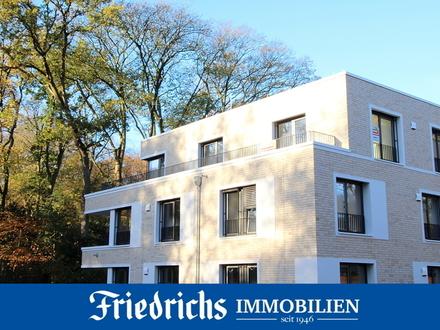 Exklusiv u. altersgerecht Wohnen: 3-Zimmer-Penthouse-Wohnung mit großzügiger Dachterrasse u. EBK