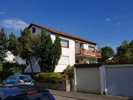 Zweifamilienhaus im westlichen Stadtbereich. Gute Lage, schönes Grundstück.