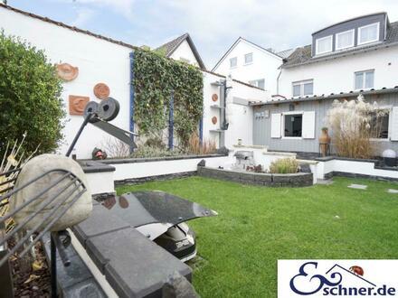 * Wohnen-vermieten-Arbeiten: Echtes Dreifamilienhaus als Kapitalanlage oder zum Generationenwohnen