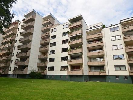 Moderne und voll möblierte 3-Zimmer-Wohnung mit Fahrstuhl in guter Lage