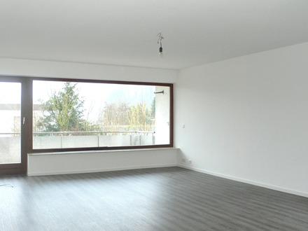 RENOVIERT - Wohnen im Grünen + neue EBK + Balkon