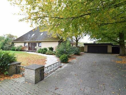 Suchen Sie über 250 m² Wohnfläche? Wir bieten Ihnen ein großes Ein- bzw. Zweifamilienhaus in Schortens an.