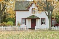 Haus verkaufen – oder vermieten? Die Vor- und Nachteile auf einen Blick