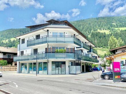 Altenmarkt im Pongau: neuwertige 4-Zi-Wohnung mit 28 m² Balkon, 1 CP & 1 FP & bester Infrastruktur