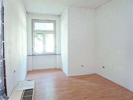 4-Zimmer-Erdgeschoß-Wohnung in stilvollem Gründerzeithaus im Martinsviertel