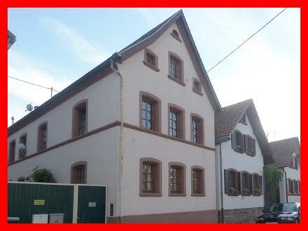 Wohnhaus in Form einer Doppelhaushälfte
