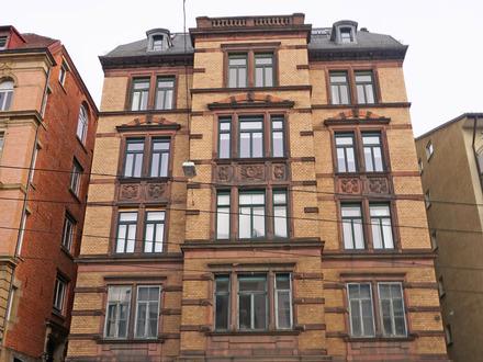 Altbau-Etage in City-Lage