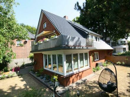Eigentumsbildung mit Hilfe von Mieteinnahmen: Modernisiertes Zweifamilienhaus in begehrter Lage von Rendsburg