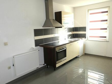 1 7 0. 0 0 0,- für SOFORT freie 5 8 qm Wohnung + WELLNESSBAD inkl. EINBAUKÜCHE in ruhiger Wohnlage