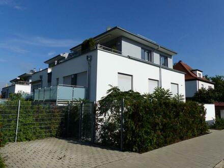 Traumlage, in exklusiver Stadtvilla geboten! 3 Zi.-ETW mit Terrasse, Garten und Stellplatz, Bj. 2012