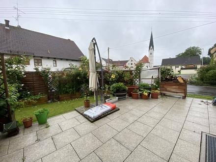 DHH in hochwertiger KFW 55 Bauweise mit Stellplatz, Garage und Garten in Schmiechen