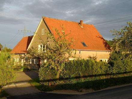 Verwirklichen Sie sich ihren Traum! Geräumiges 4 Fam. Haus, teilweise im Rohbau mit gr. Grundstück.