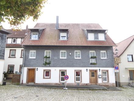 Im Herzen der Stadt: Großes Stadthaus mit Plassenburgblick und vielfältigen Nutzungsmöglichkeiten