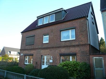 Mehrfamilienhaus (4-Familien-Haus mit einfamilienhausähnlichem Anbau)