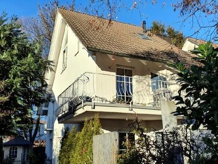 Sonnige 3-Zi.-Dachgeschoss-Maisonette-Wohnung in Daglfing mit Gartenanteil