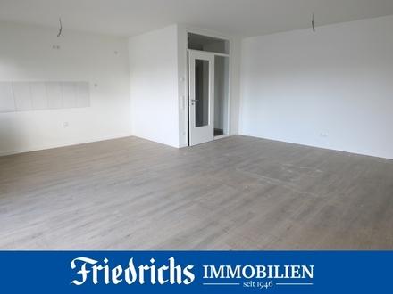 Neubau-Komfort-Obergeschosswohnung mit Balkon, Keller und Garage in Westerstede