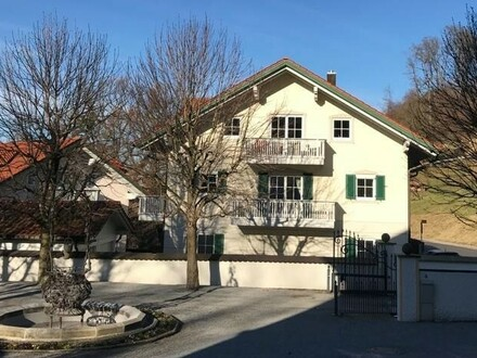Sehr gemütliche Dachgeschoss Wohnung in Neubeuern, mit tollen Blick auf die Berge