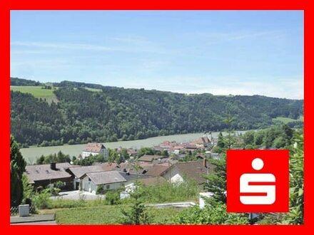 Sonniges Südhanggrundstück mit Aussichtslage ins Donautal in Obernzell