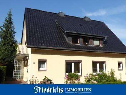 Erdgeschosswohnung mit kleinem Garten in einem Zweifamilienhaus in Bad Zwischenahn