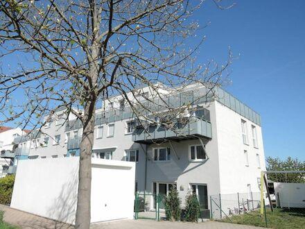 6 8 qm PENTHOUSE mit 2 2 qm DACHTERRASSE + offenen Grundriss + Aufzug- LIFT + GARAGE am Weißen Stein