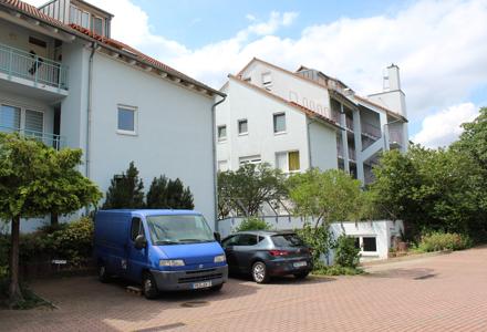 Eigennutzer oder Kapitalanleger! 2 Zimmer Wohnung frisch renoviert.