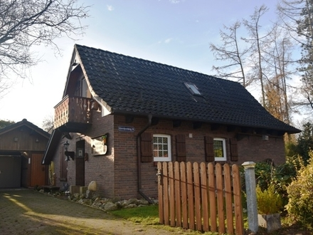 Auszeit am See - Charmantes Ferienhaus in Westerstede mit direkter Seenähe