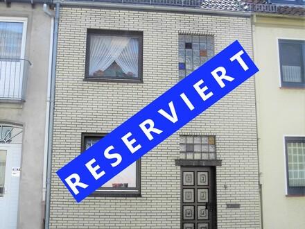 Gepflegtes Reihenmittelhaus mit 4-Zimmern und großer Sonnenterrasse in Bremen-Woltmershausen