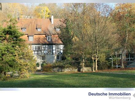 Exklusives Wohnen in Alleinlage! Restauriertes Mühlenanwesen (3 Gebäude) in Eberdingen